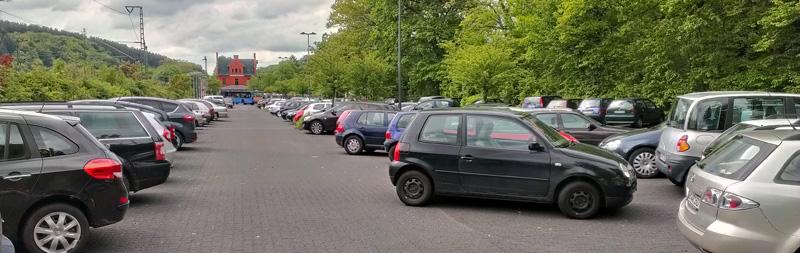 Parkplatz_Schladern_Bahnhof