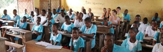 Schüler des BGH zusammen mit Schülern des