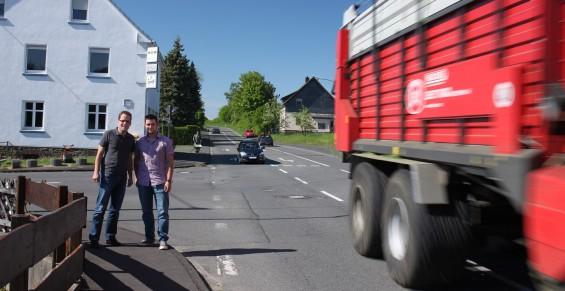 Daniel Stenger und Christoph Engelberth im unmittelbaren Kreuzungsbereich