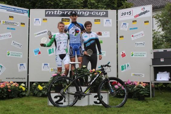 IMG_7570 Pepe Rahl (links) beim NRW MTB-Cup auf Platz 2