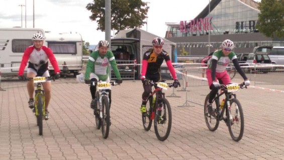 IMG_1090 24h Rennen in Stuttgart Jan Jucken  .....