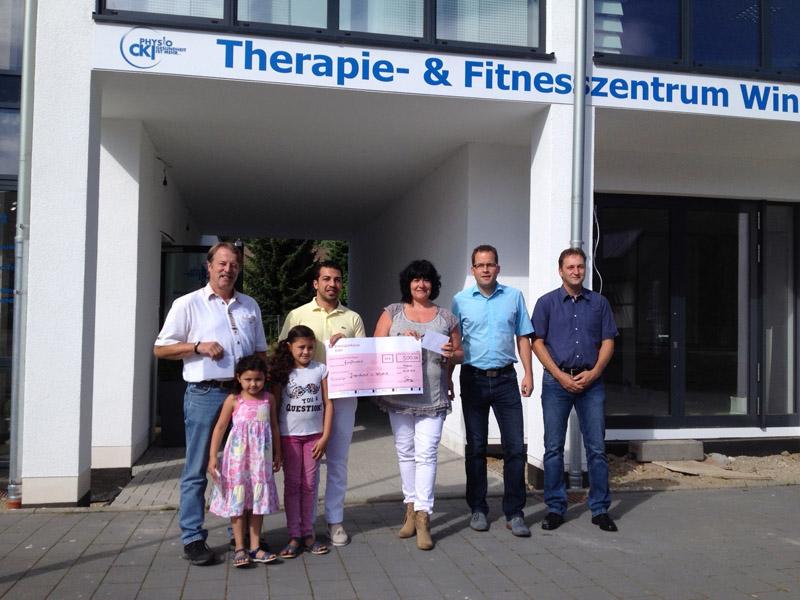 von links: Uwe Fröhling (2. Vors. Die Windecker Jugend e.V.) und Enkel, Chaled Quarizada, Bettina Dornseifer, Daniel Stenger, Peter Braun