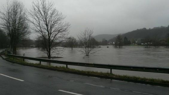 Hochwasser in Dattenfeld Stand 01.12.2015 - Bild: privat
