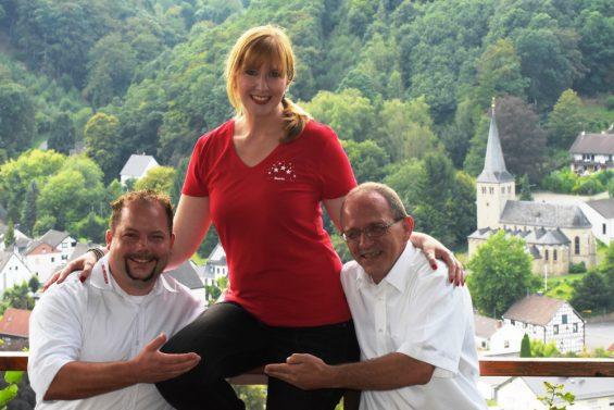 Der designierte Bauer Doris mit den Vorsitzenden der KG Herchen (Foto: KG Herchen)