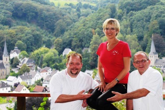 Die designierte Prinzessin Ulla mit den Vorsitzenden der KG Herchen  (Foto: KG Herchen)